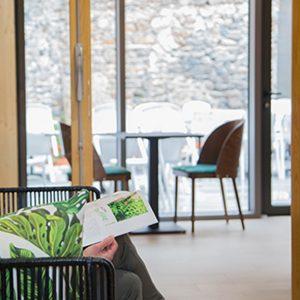 Tout est pensé pour que votre soirée Etape à Yssingeaux soit un vrai moment de détente et de sérénité : literie haut de gamme, salle de bain spacieuse, wifi gratuit, parking gratuit à proximité, restaurant bistronomique dans l